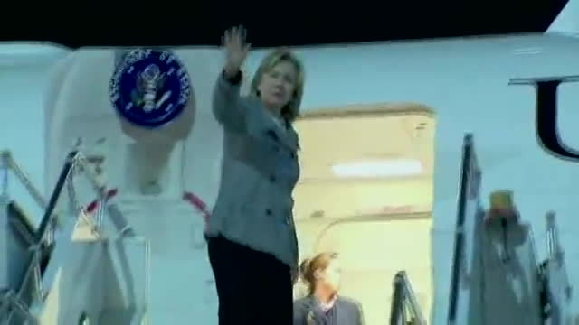 hillary clinton falls down, hillary clinton falls plane, hillary clinton trips falls, CNN: Hillary Clinton Falls While Boarding Plane GIFs
