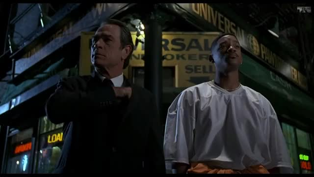 Watch this men in black GIF on Gfycat. Discover more Beatrice, Humor, Jay, beatrice, comedy, edgar, frank, funny, hilarious, humor, jay, jeebs, kay, laugh, men in black, slapstick, slaptik, tommy lee jones, will smith, zed GIFs on Gfycat