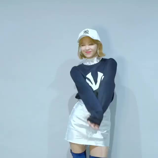 Watch this dancing GIF by Blueones (@blueones) on Gfycat. Discover more dancing, jeongyeon, kpop, twice GIFs on Gfycat