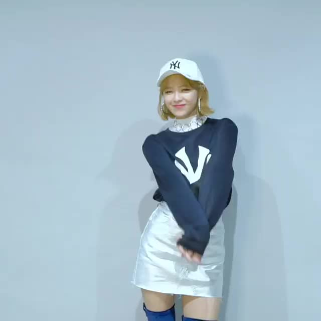 dancing, jeongyeon, kpop, twice, Jeongyeon GIFs