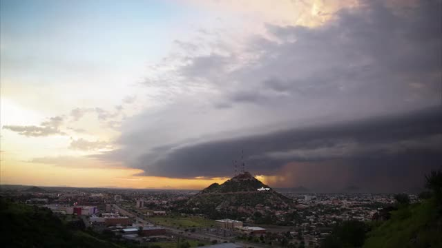 Watch Tormenta Hermosillo GIF by @mullermx on Gfycat. Discover more cell, dusk, hermosillo, mexico, monsoon, night, sonora, storm, sunset GIFs on Gfycat