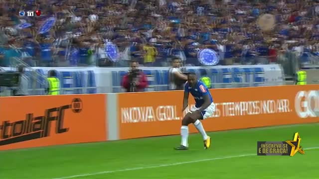 Watch Sassarrada GIF on Gfycat. Discover more flamengo 1 x 1 cruzeiro, sarrada, sassá GIFs on Gfycat