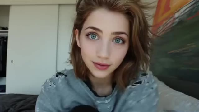 Watch EC593473-18A6-4BE2-B297-1EE91E65A982 GIF on Gfycat. Discover more celebs, emily rudd GIFs on Gfycat