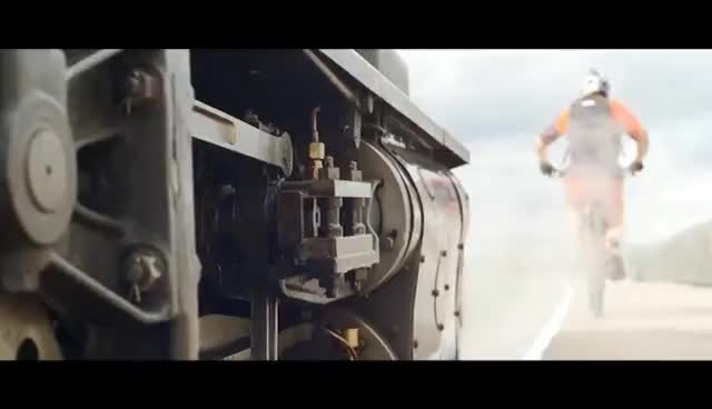 Velo sur rail GIFs