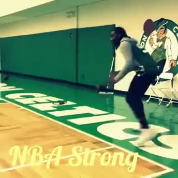 Jae Crowder plays 1 on 1 with Isaiah Thomas's son!