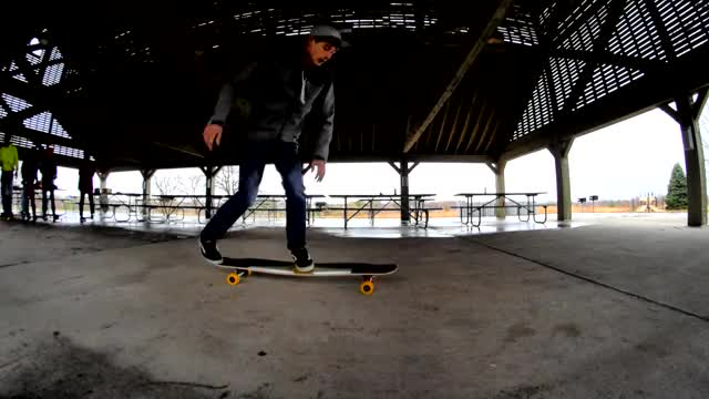 Watch this GIF on Gfycat. Discover more longboarding GIFs on Gfycat