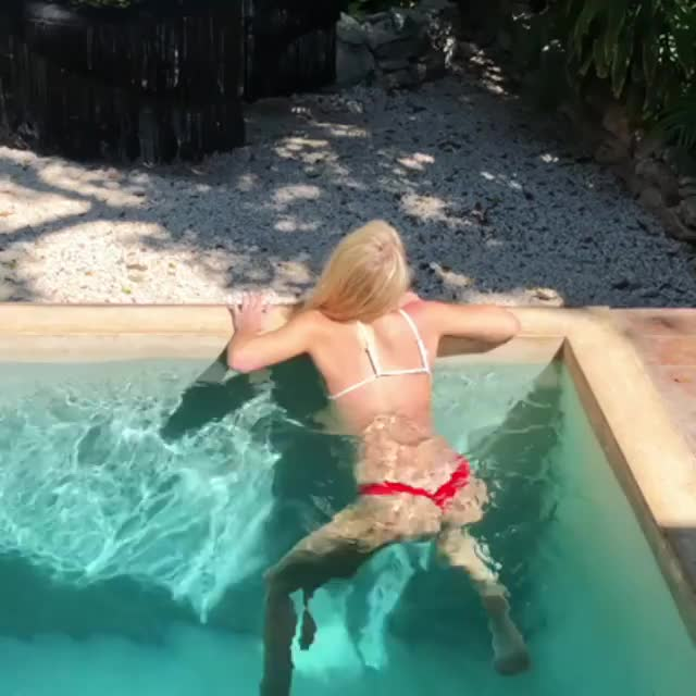Watch and share Celebs GIFs and Model GIFs by deigismon on Gfycat