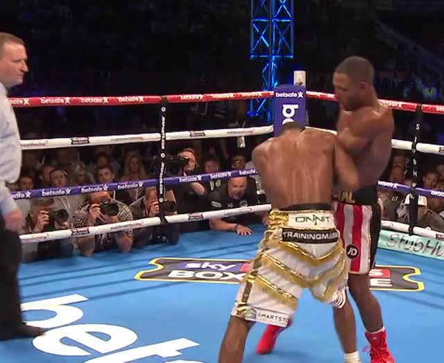 Watch Errol Spence works Kell Brook on the inside GIF by tomcody on Gfycat. Discover more Boxing, Errol Spence, Kell Brook GIFs on Gfycat
