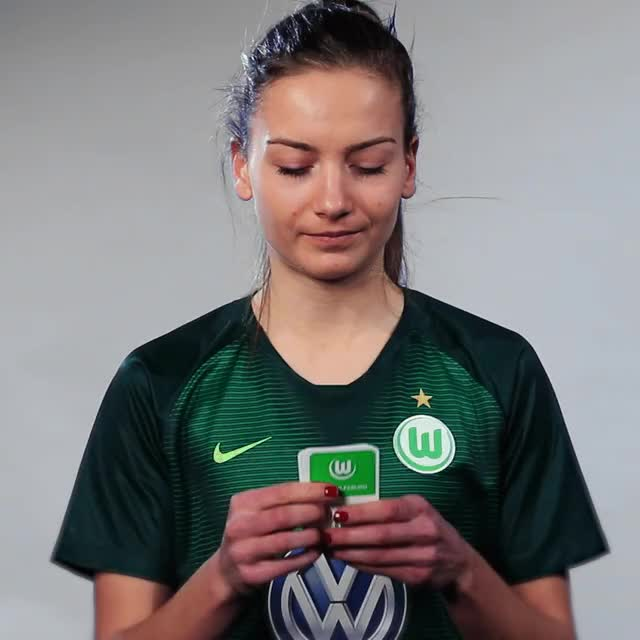 Watch and share Joelle Wedemeyer - Cards King GIFs by VfL Wolfsburg on Gfycat
