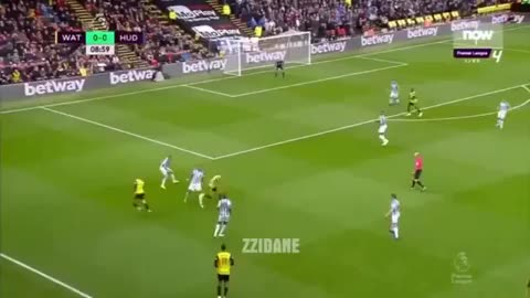 Watch and share Roberto Pereyra Dribble Vs Huddersfield 18-19 GIFs by FIFPRO Stats on Gfycat