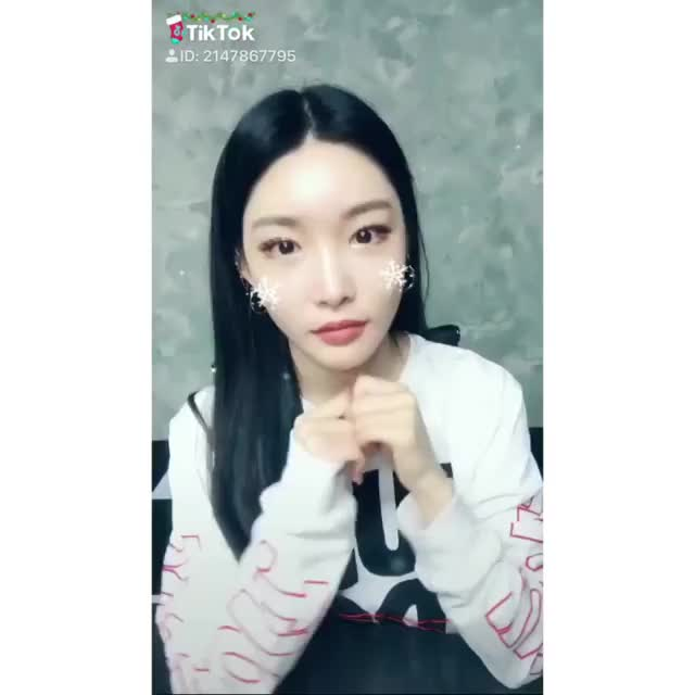 Watch and share Chungha GIFs and Kpop GIFs by TimShin on Gfycat