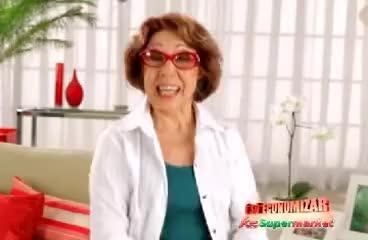Watch Essa velha ficou rica! GIF on Gfycat. Discover more dona marta, economizar, eu quero é preço, supermarket, supermercado GIFs on Gfycat