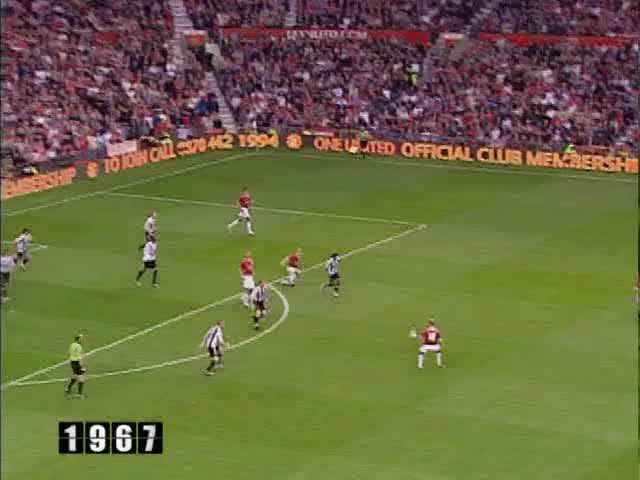 Watch and share 18 Solskjaer GIFs by mu_goals_2 on Gfycat