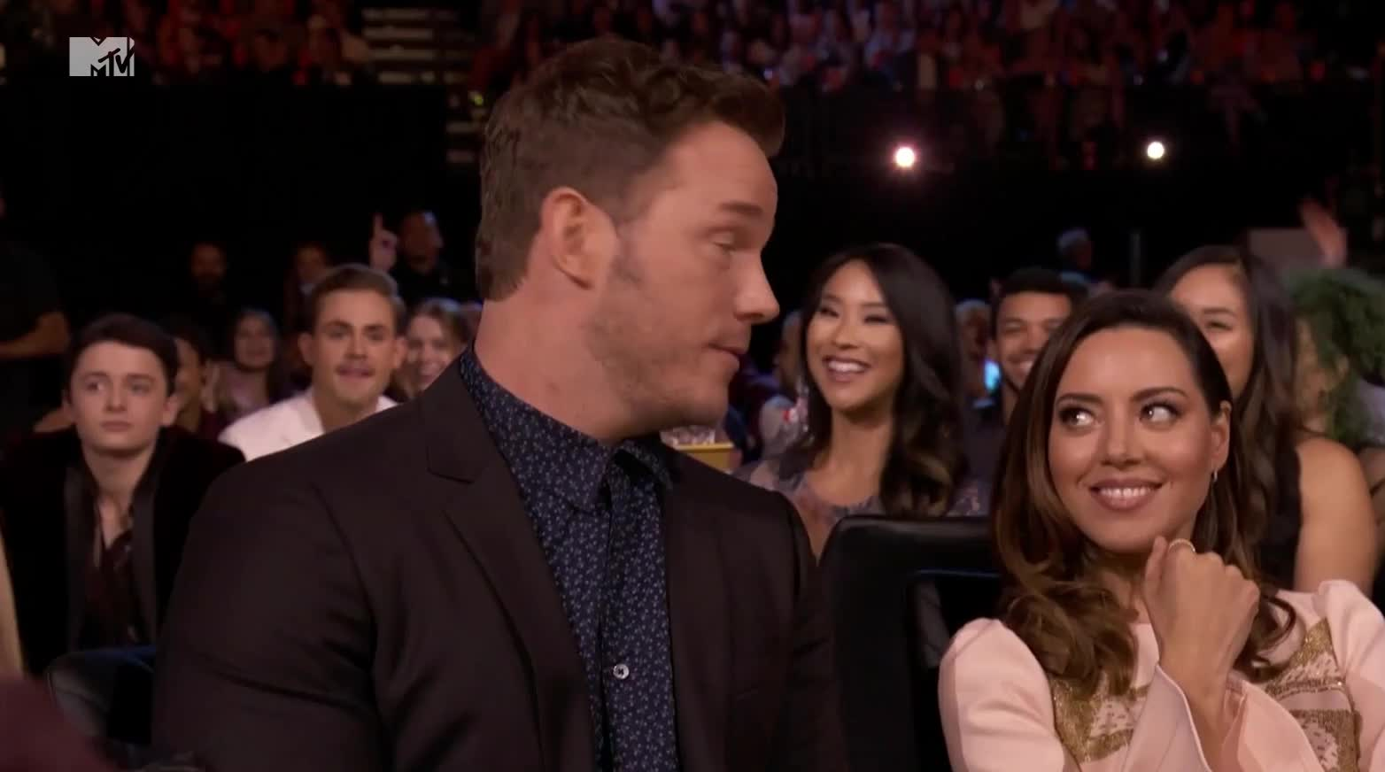 aubrey plaza, celebrity, celebs, chris pratt, mtv awards, Chris Pratt Aubrey Plaza MTV Movie Awards GIFs
