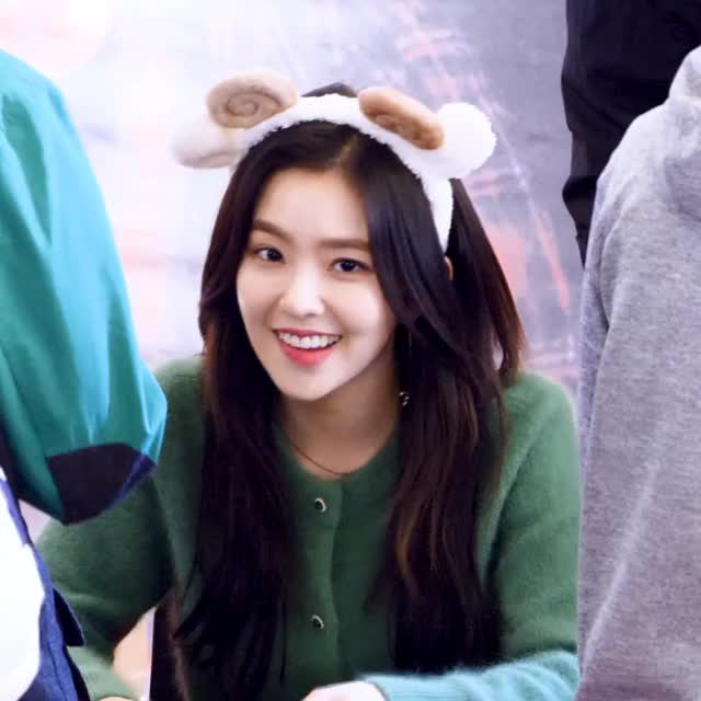 Watch and share Irene Red Velvet GIFs and Perfect Velvet GIFs by bjh0329 on Gfycat