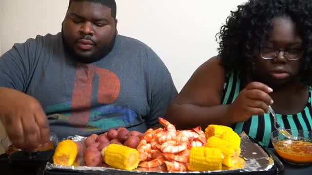 Watch SHRIMP CORN POTATOES MUKBANG GIF on Gfycat. Discover more ASMR, belove, blove, blovelife, food, mukbang, quavo, seafood, shrimp GIFs on Gfycat