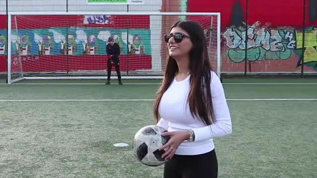 Watch and share Mia Khalifa GIFs on Gfycat