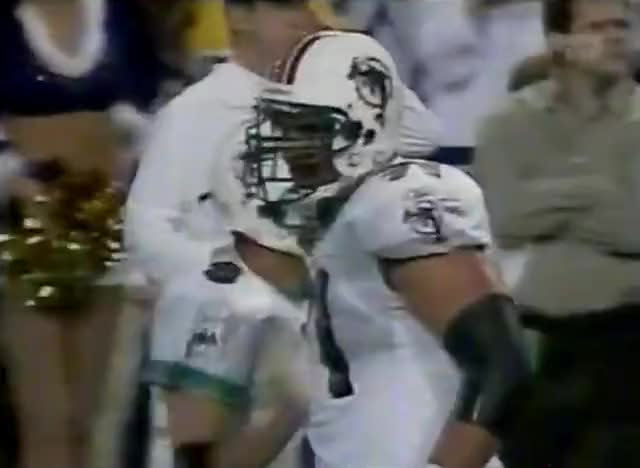 Watch and share 2002-randy-moss-pass GIFs by oo0shiny on Gfycat