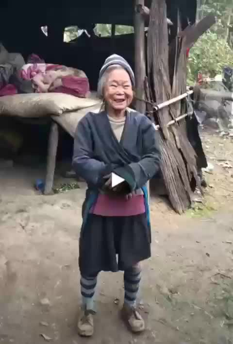 Watch and share Adorable Reaction To Having Her Photo Taken GIFs by mossberg91 on Gfycat