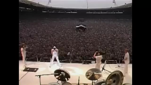 Watch You can actually see the speed of sound as Queen fans move when they hear the music beat (reddit) GIF on Gfycat. Discover more educationalgifs GIFs on Gfycat
