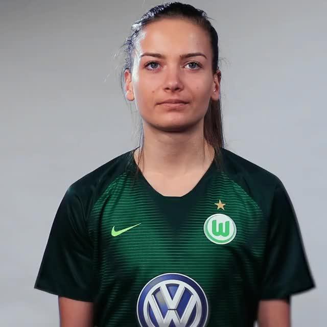 Watch and share Joelle Wedemeyer - Teacher GIFs by VfL Wolfsburg on Gfycat