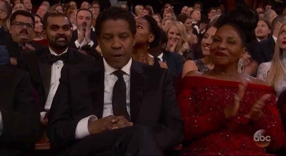 oscars, oscars2017, Denzel Washington is not happy - Oscars 2017 GIFs