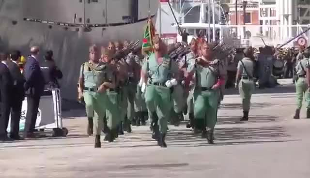 Watch and share ¡¡Sarri Sarri Sarri...!! - La Legión Española GIFs on Gfycat