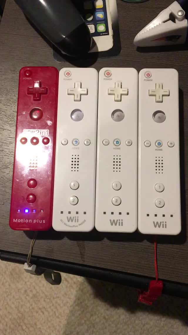 Watch Wii remotes synchronizing their lights GIF on Gfycat. Discover more wii GIFs on Gfycat