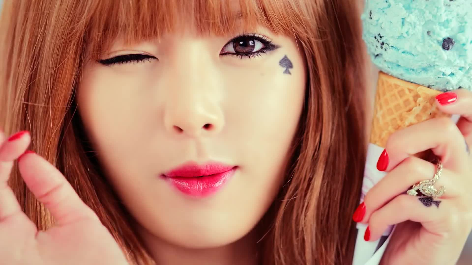 cube, cube entertainment, hyuna, kpop, 큐브, 큐브 엔터테인먼트, HYUNA - 'Ice Cream' (Official Music Video) GIFs