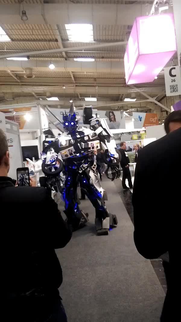 Watch Cebit2017 - Autobot GIF on Gfycat. Discover more PietSmiet, autobot GIFs on Gfycat