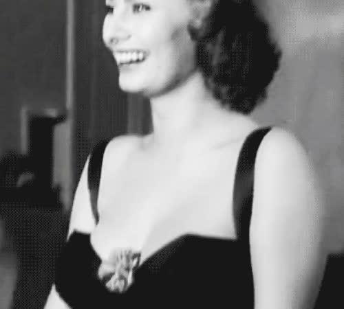 funny, haha, laughing, lol, sophia loren, Sophia Loren LOL GIFs