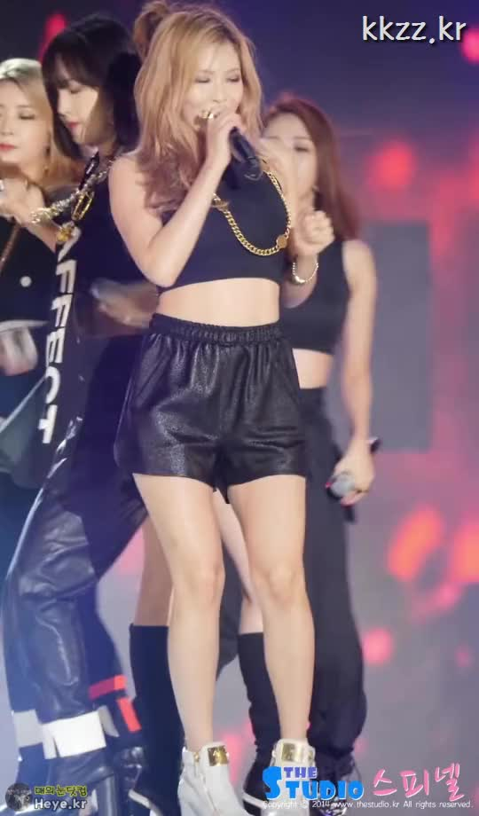 Watch and share 4minute GIFs and Hyuna GIFs by 매의눈닷컴(▶heye.kr) on Gfycat