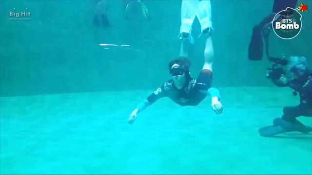 Watch and share [BANGTAN BOMB] Jin's 'Skin Diving' Training @ 정글의법칙 - BTS (방탄소년단) GIFs on Gfycat