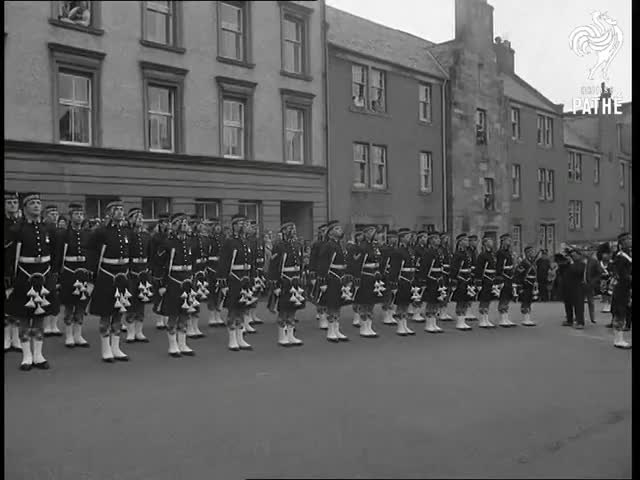 Watch Argyll Regiment (1968) GIF on Gfycat. Discover more 2057.39, Argyll, McIntyre, Mitchell, Regiment, Scotland, Stirling, mascots, newsreel, ponies GIFs on Gfycat