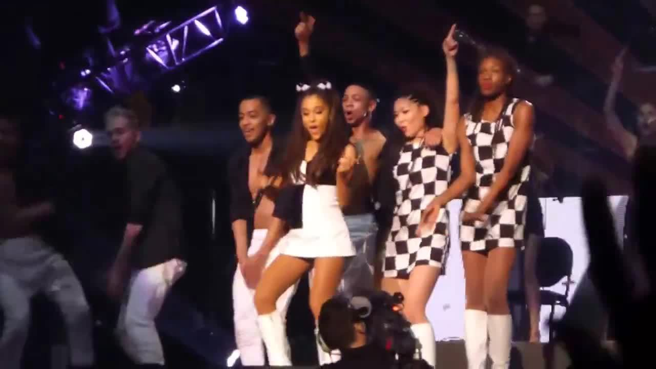 arianagrande, onstagegw, The Problem drop (reddit) GIFs