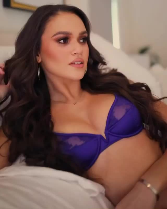 Watch and share Madisonpettis 1534537442698226311905492148669719937151445n GIFs by jimmygsus10 on Gfycat