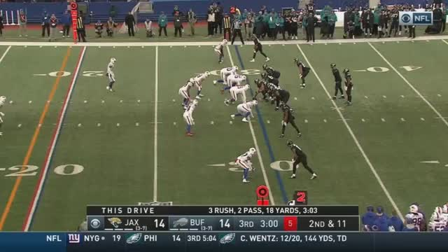 Watch Brawl after Moncrief caught the ball at the 1 yard line. Lawson and Fournette ejected GIF on Gfycat. Discover more New York Giants, Philadelphia Eagles, football GIFs on Gfycat