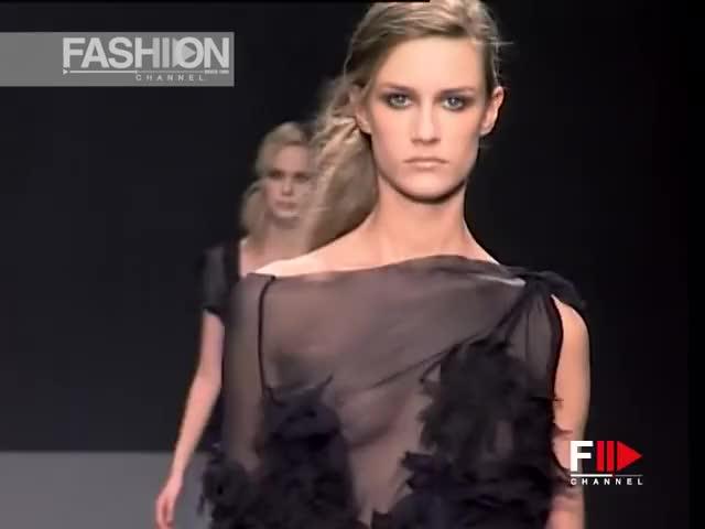 Watch and share ALBERTA FERRETTI Fall 2002 2003 Milan - Fashion Channel 9:43 GIFs by fashion show on Gfycat