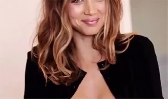 ana de armas, wink, Video by itsanadearmas GIFs