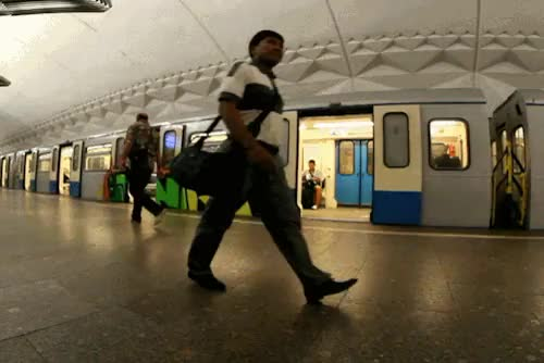 "Watch ""Ener"" by Rusos GIF on Gfycat. Discover more Bunt, moscow, rusos177, subway GIFs on Gfycat"