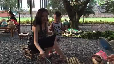 Con trai 2 tuổi của Tâm Tít đúng chuẩn soái ca nhí