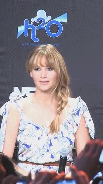 HighQualityGifs, bayarea, funny, [Remake] [6.91mb] Jennifer Lawrence - Sarcastic Thumbs Up (reddit) GIFs