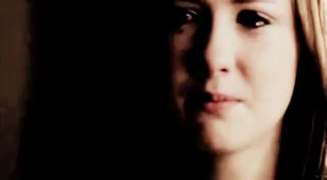 Anya MacPherson, Samantha Munro, hurt GIFs