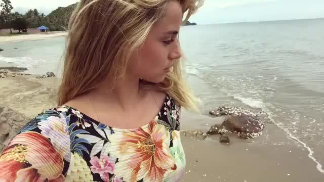 ana de armas, celebrities, celebrity, celebs, Ana De Armas at the Beach GIFs