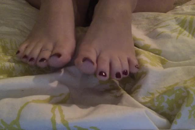 I love to TEASE with my painted Toes