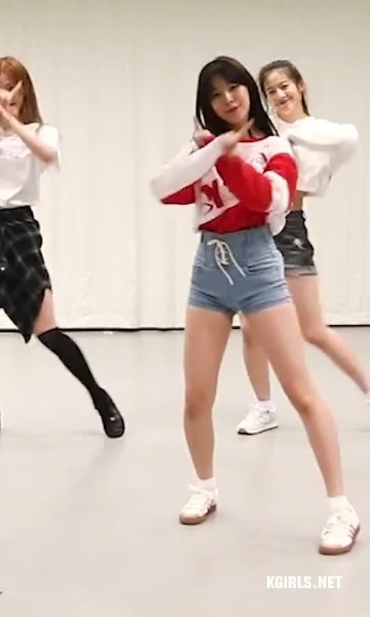Ji Heon-fromis 9-practice-10-www.kgirls.net GIFs