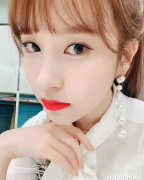 Watch twicetagram-20190226-0001 GIF on Gfycat. Discover more related GIFs on Gfycat