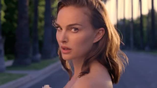 Watch this natalie portman GIF by shapesus (@politoadmoves) on Gfycat. Discover more celebs, natalie portman GIFs on Gfycat