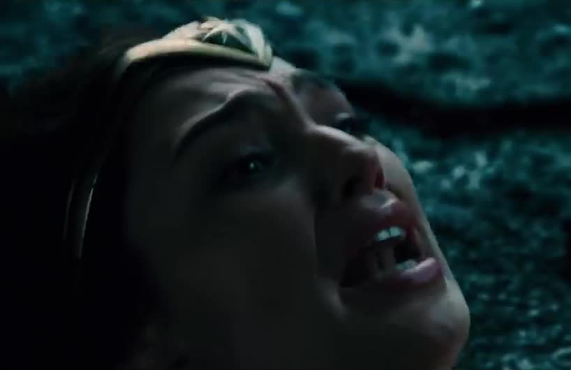 gal gadot, horrified, scared, scream, upset, wonder woman, Gal Gadot Screams GIFs