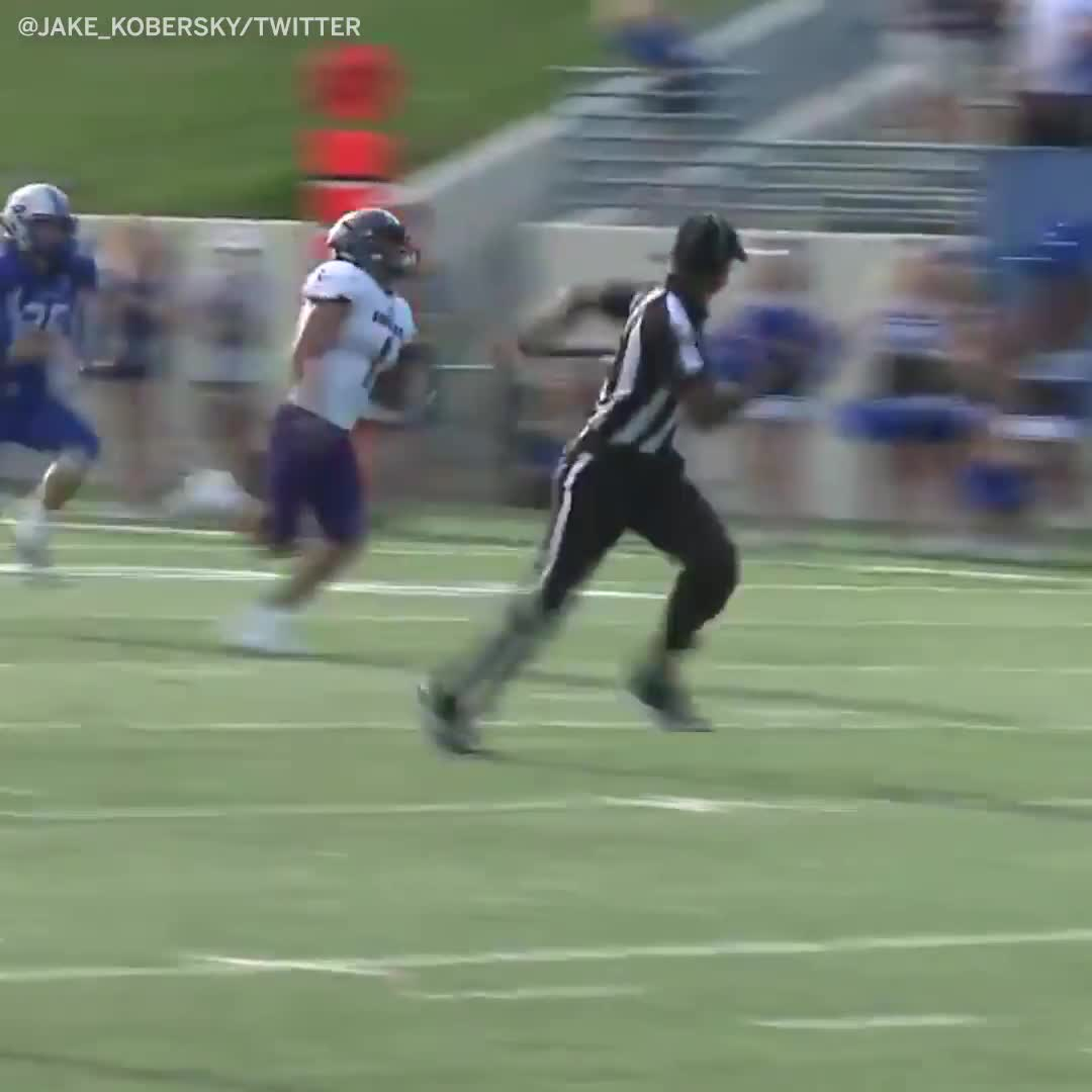 football, football ref shows off unreal speed, madden, This ref's speed is a 99 🔥🔥 GIFs